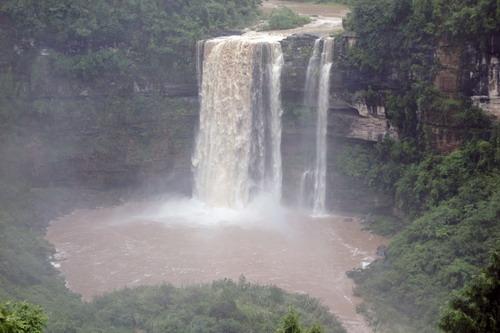 赵固乡深藏壮观大瀑布