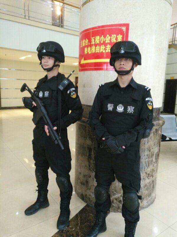 市公安局调集全市公安、武装、消防确保达州两会顺利召开