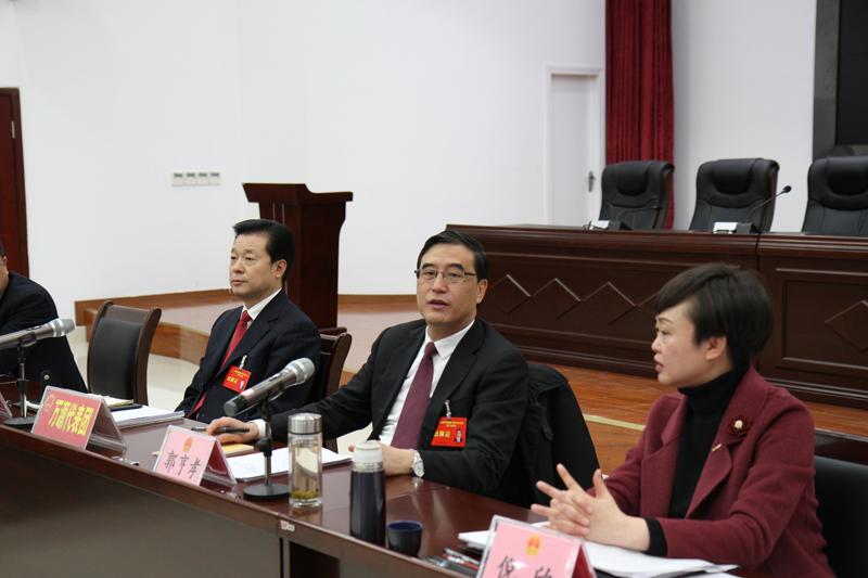 郭亨孝参加万源渠县达川代表团审议