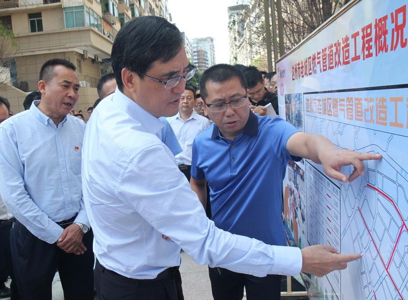 郭亨孝带队视察中心城区部分民生实事项目