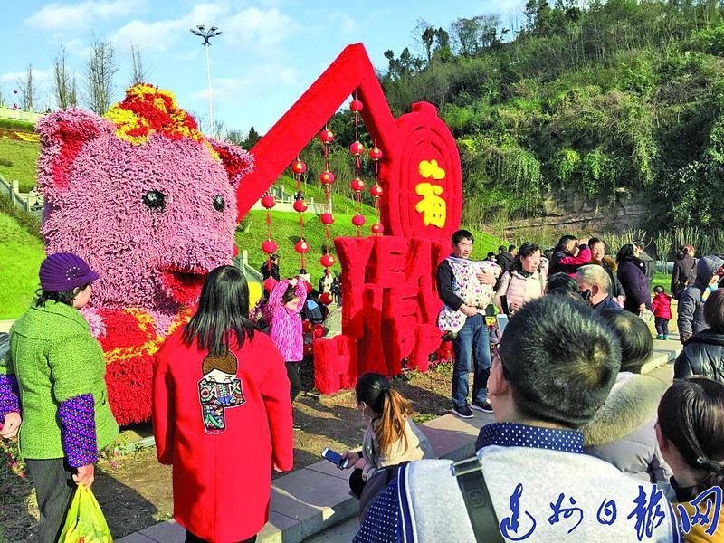 游子春节返乡团圆泛论龙虎和变革:故乡这么美,我想留上去