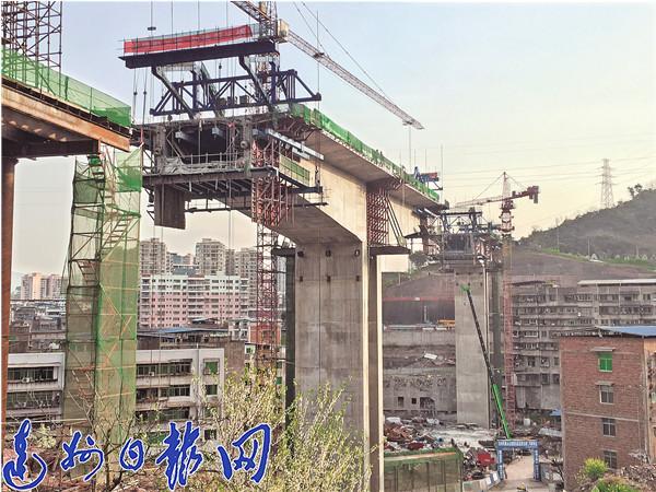 凤凰山山前路东段力争7月建成通车