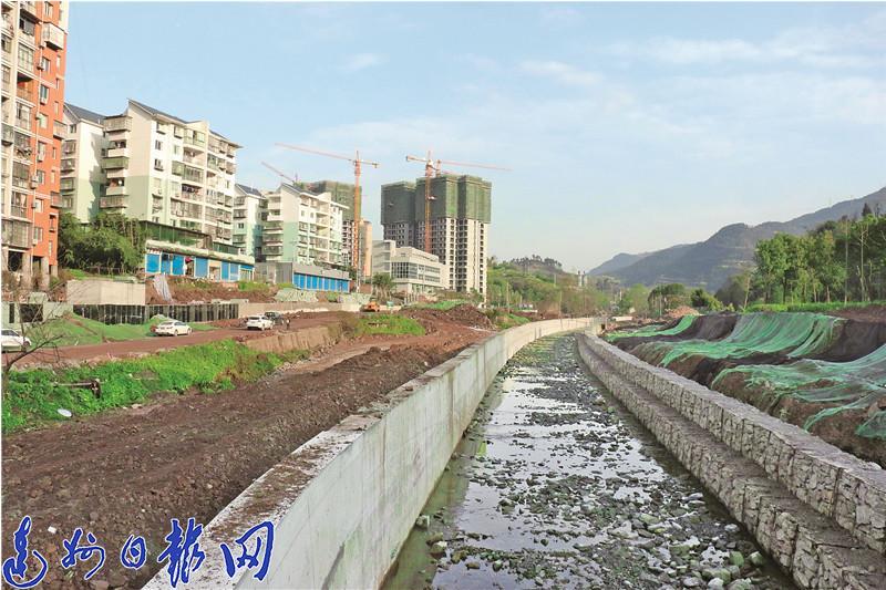 塔石路沿线开辟使用项目7个标段片面进入施工阶段