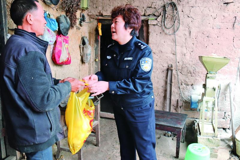 宣汉县拘留所开展帮扶活动