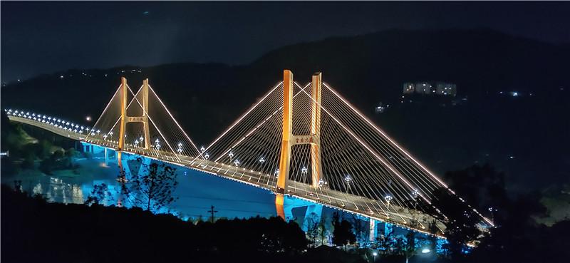 达城大桥夜色