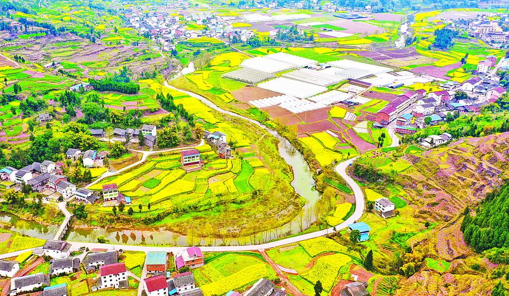 1至4月 全市农村公路累计完成投资11.73亿元