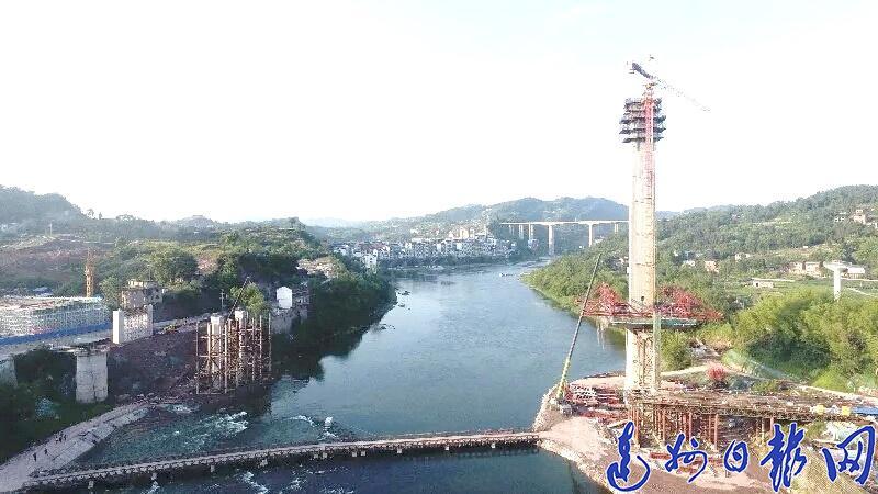 罗江柳家坝大桥102米高主墩塔即将封顶!本月中旬已开始主梁桥面施工