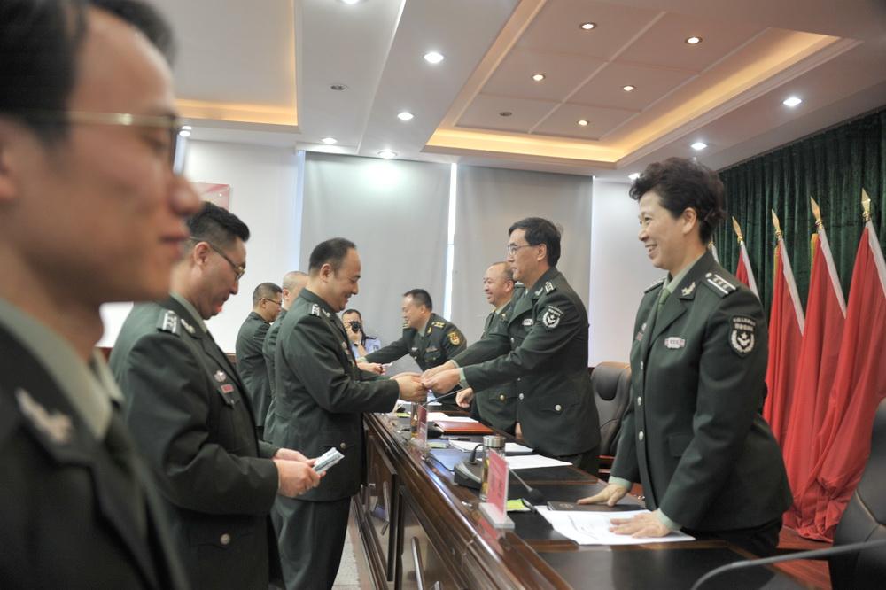 达州新任预备役军官任职授衔大会举行 郭亨孝出席并作指示!