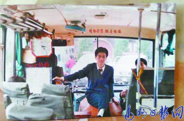 """【壮丽70年】风驰电掣70年""""四次跨越""""让出行越来越""""快"""""""