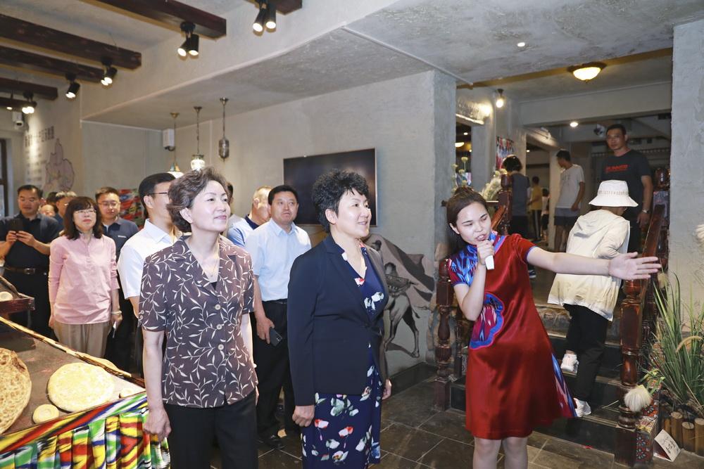 包惠带队赴新疆、上海考察 诚邀各界朋友到达州投资兴业