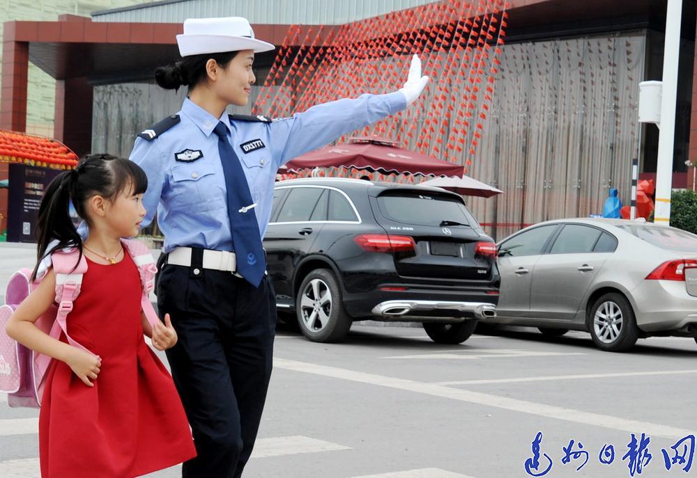 """一位从重庆来达城经商朋友的""""掏心话"""":不敢乱停车了  停车方便多了"""
