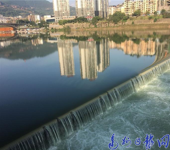 塔沱液压升降坝蓄水,州河将美得不要不要滴!