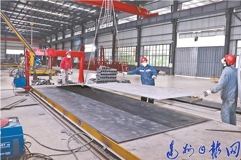 達州(zhou)高(gao)新區︰三個100%織密(mi)復工企業疫情防控(kong)網(wang)