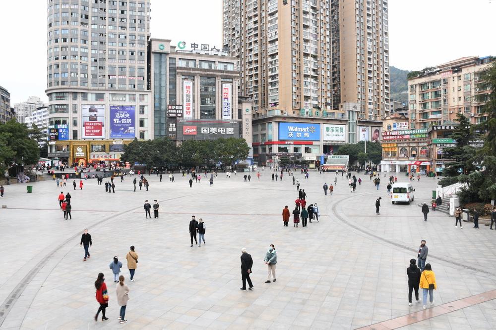 終于等到(dao)你!理(li)發店、服裝店、奶茶店…… 熟(shu)悉的達(da)州(zhou)回來了(liao)