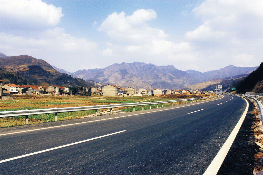 万源市交通运输事业发展成效显著