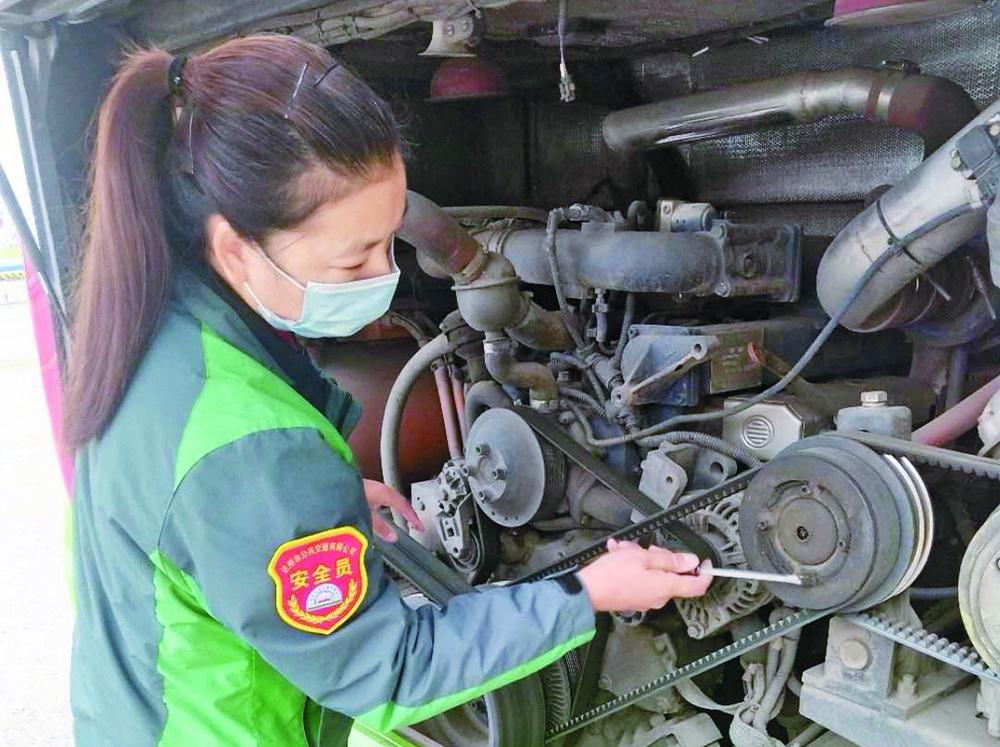 【向劳模致敬】郑艳梅:20年安全行车近80万公里