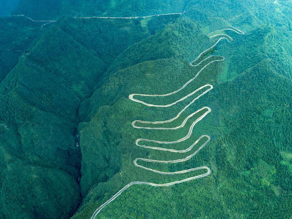 宣汉巴山大峡谷内环线入围十大最美农村路