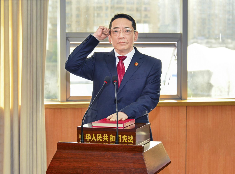 严卫东同志任达州市人民政府副市长、代理市长