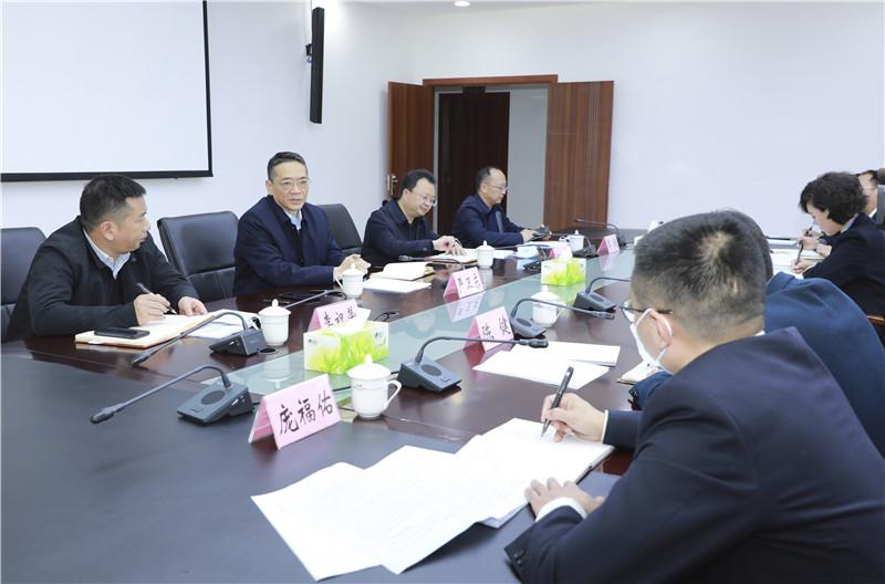 严卫东调研市政务服务中心建设